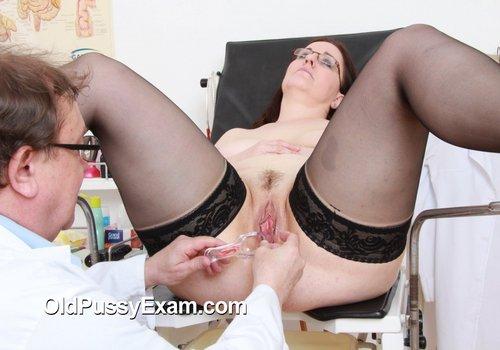 Dorotha bekam eine reife Vagina Prüfung